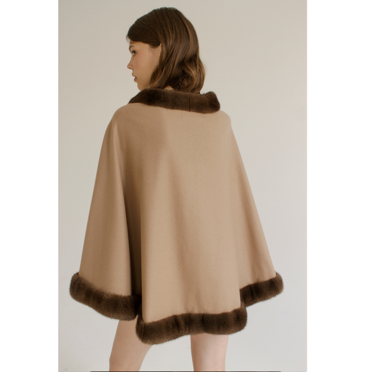 Cashmere cape witn mink fur collar and frill